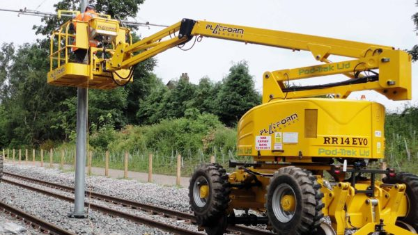 Manchester Metrolink - Overhead line equipment