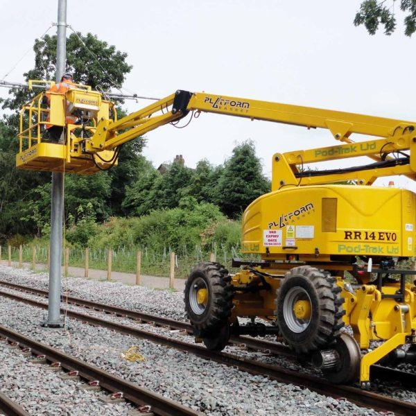 Manchester Metrolink - Overhead line equipment